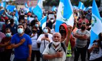 Guatemaltecos exigen la renuncia del presidente por cuarta semana consecutiva
