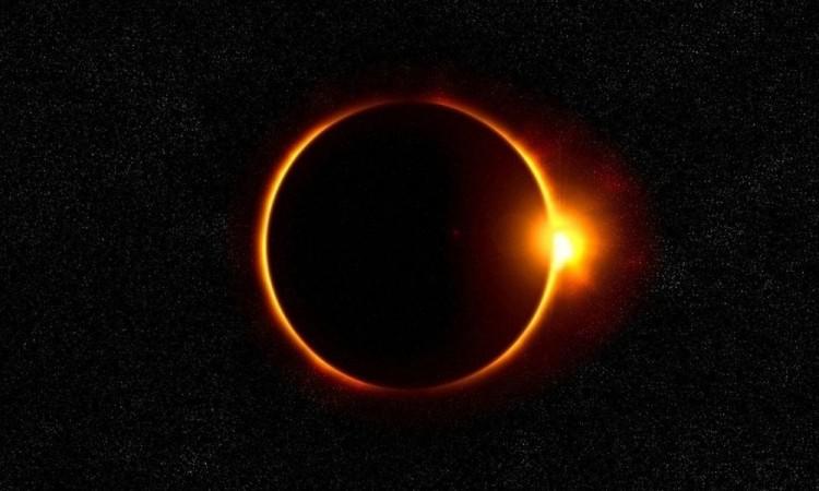 El eclipse total de sol el 14 de diciembre durante poco más de dos minutos