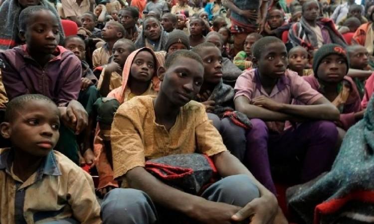 Rescatan a 84 estudiantes en Nigeria que estaba secuestrados