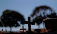 Brasil llega a Navidad con 190 mil muertos y 7,44 millones de casos de covid