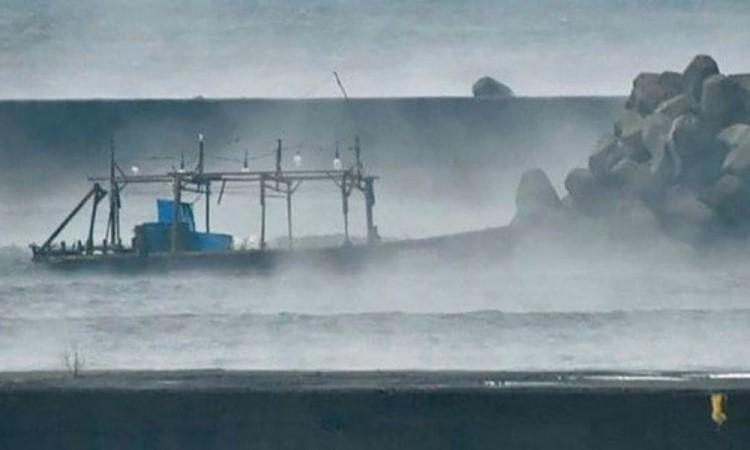 Ingresan buques del régimen chino ilegalmente a las aguas territoriales de Japón