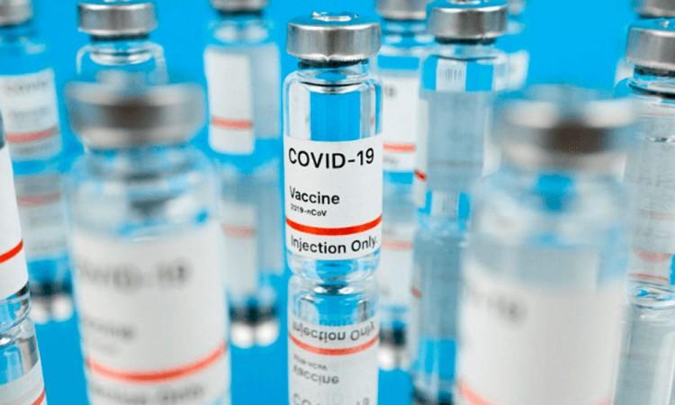 Autoridades británicas desaconsejan mezclar tipos de vacunas de Covid-19