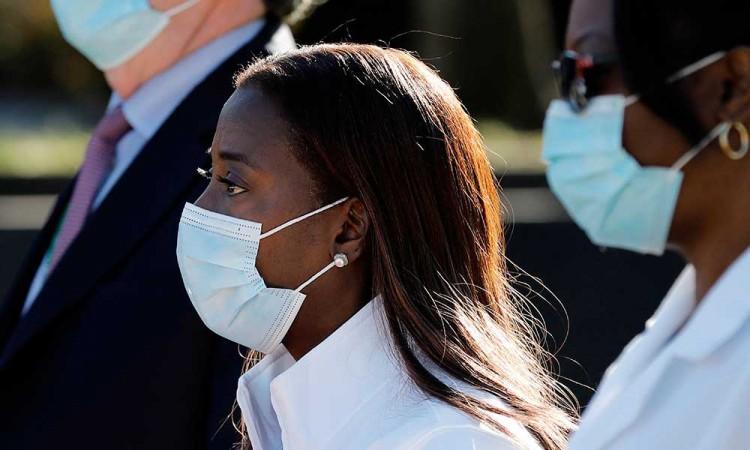 Los hospitales de Nueva York afrontan multas si no agilizan la vacunación