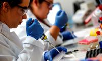 Identifican factor que eleva el contagio de la cepa británica de covid