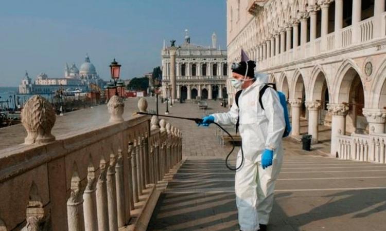 Italia registra casi 20.000 casos y 483 muertes por covid en el último día
