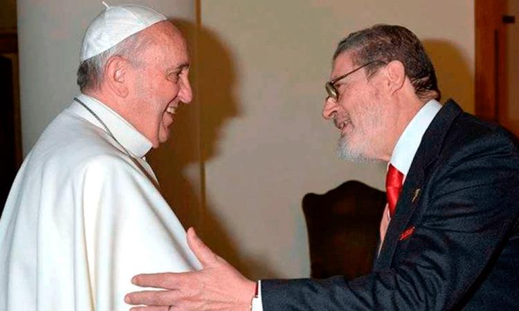 Muere el médico personal del papa, Fabrizio Soccorsi, a causa de Covid
