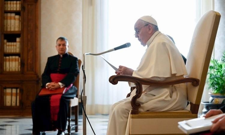 El Vaticano comienza su campaña de vacunación y se vacunarán los dos papas
