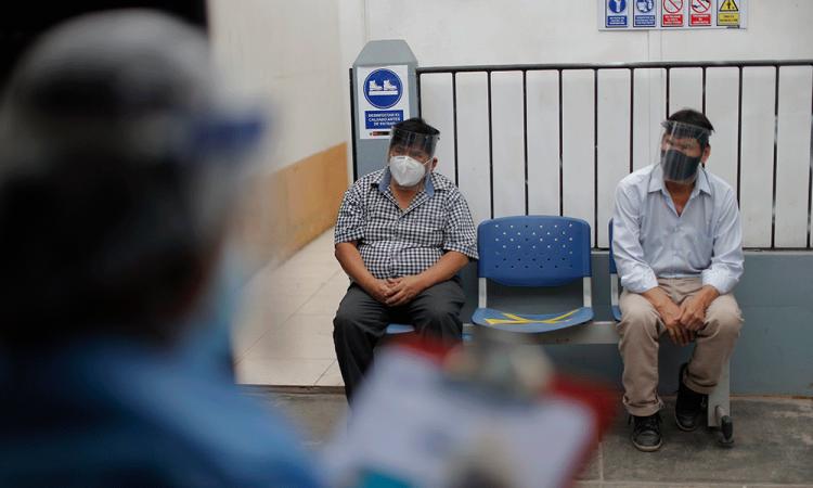 Casi la mitad de los peruanos no quiere vacunarse contra la covid-19