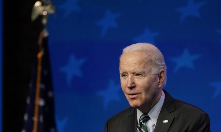Biden propondrá vía para naturalización de inmigrantes en 8 años