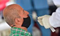 Los contagios diarios se frenan a nivel global, pero no las muertes