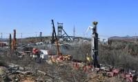 Rescatan a once mineros en China después de 14 días atrapados