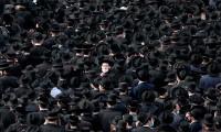 ¡No les importa! Miles de ultraortodoxos violan el confinamiento en el funeral de un rabino