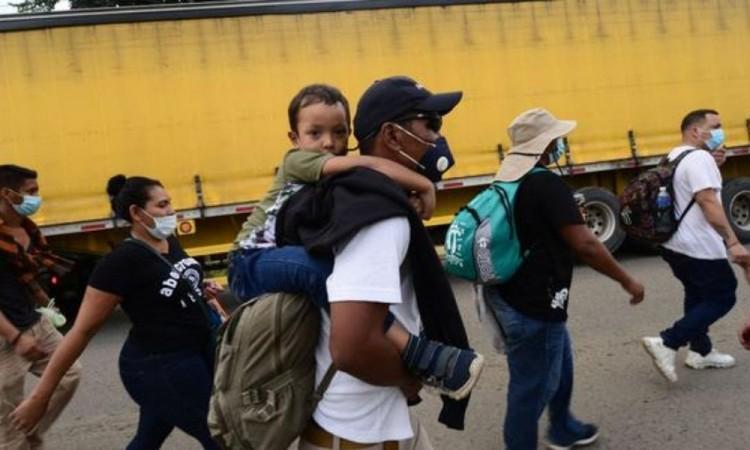 Estados Unidos espera más migrantes ahora que en últimos 20 años en frontera con México