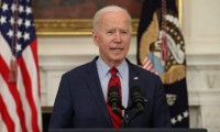 Biden permite a la prensa entrar por primera vez a centro de niños migrantes