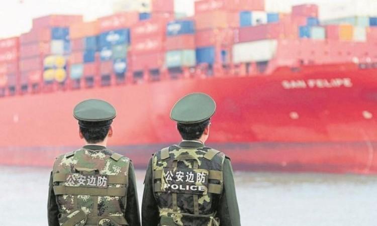 EU no prevé levantar los aranceles a China a corto plazo