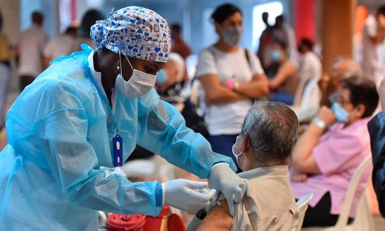 El lento camino de la vacunación en Latinoamérica tras 100 días de su inicio