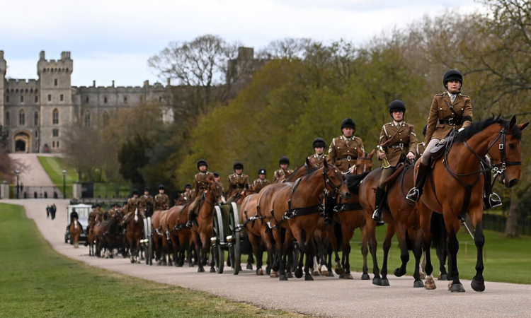 Arranca el cortejo fúnebre del duque de Edimburgo desde Windsor