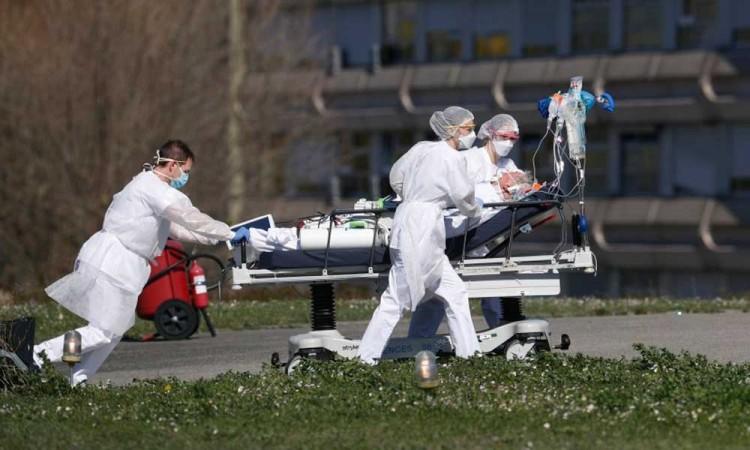 Los hospitales de Francia siguen colapsados mientras la vacunación avanza