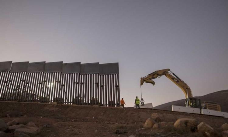 EU cancela construcción del muro para atender a comunidades fronterizas