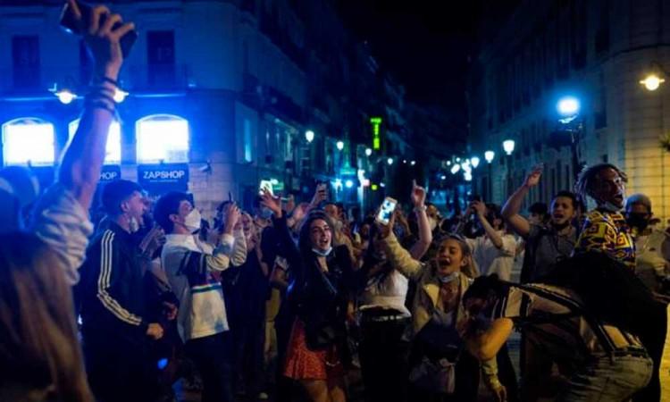 Tras el fin del estado de alarma gobierno de España pide responsabilidad a los habitantes