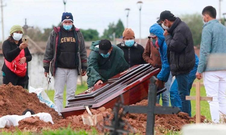 Bolivia entra al tercer pico de contagios por relajación de la población