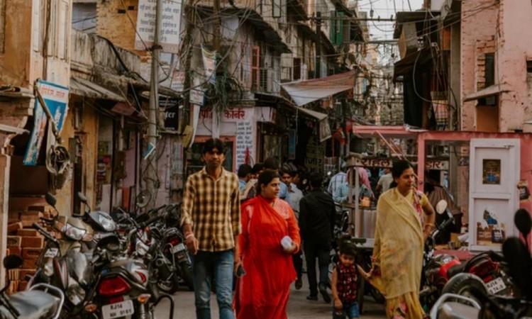 La India supera las 4 mil muertes diarias por coronavirus