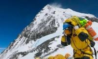 A pesar del brote de covid, 150 escaladores se animan a subir el Everest