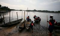 Suben a 76 los cadáveres recuperados tras el naufragio de un barco en Nigeria