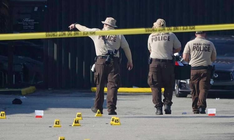 Dos muertos y más de 20 heridos dejó un tiroteo en Hialeah, Florida