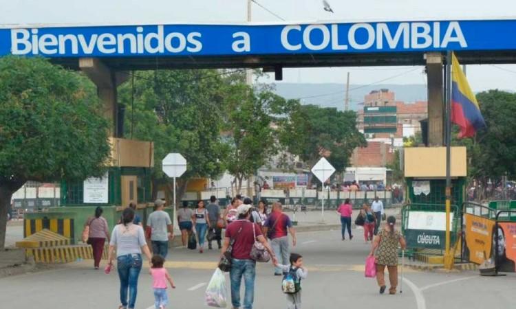 Colombia reabre gradualmente sus fronteras con Venezuela