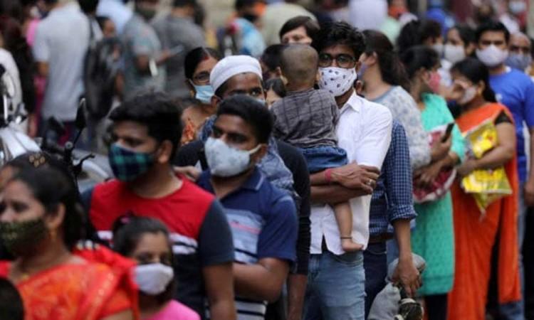 La India registra el menor número de casos de covid en casi dos meses