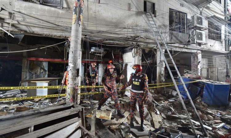 Explosión en edificio comercial de Bangladesh deja 7 muertos y 52 heridos