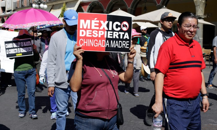 Se movilizan contra el gasolinazo en Puebla