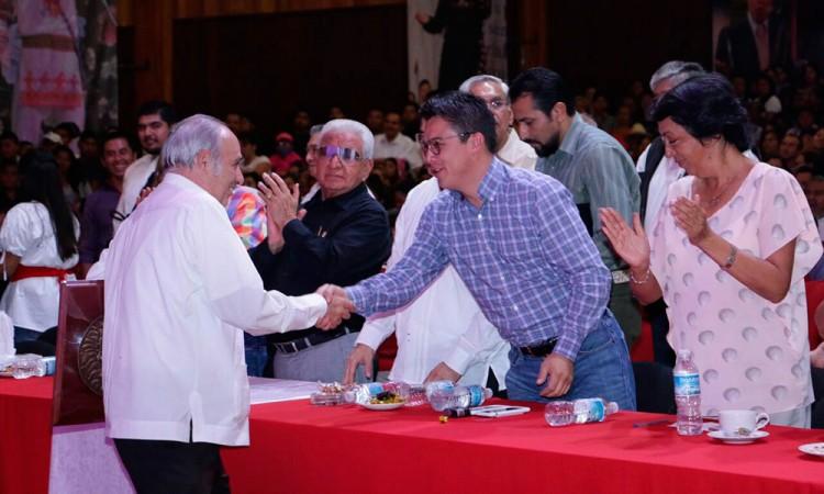 Gobierno mantendrá trabajo con la sociedad: Islas