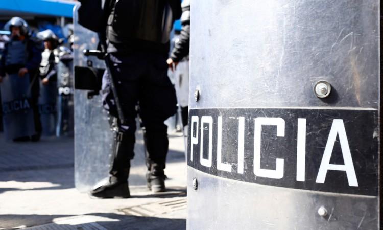 Dan de baja a policía municipal por extorsión