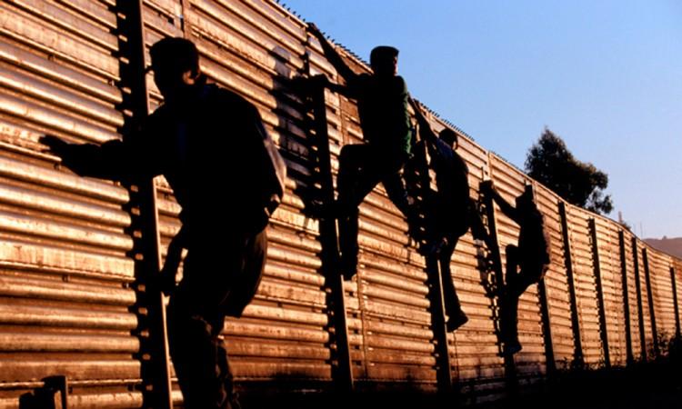 Reprueban exmigrantes las políticas de Trump
