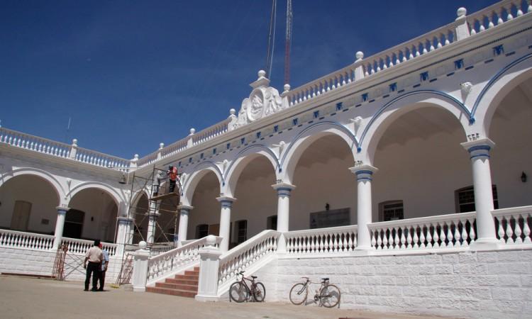 Comerciantes de Acatlán buscan frenar reubicación