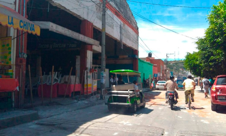 Tras Año Nuevo, montón de basura en calles de Izúcar