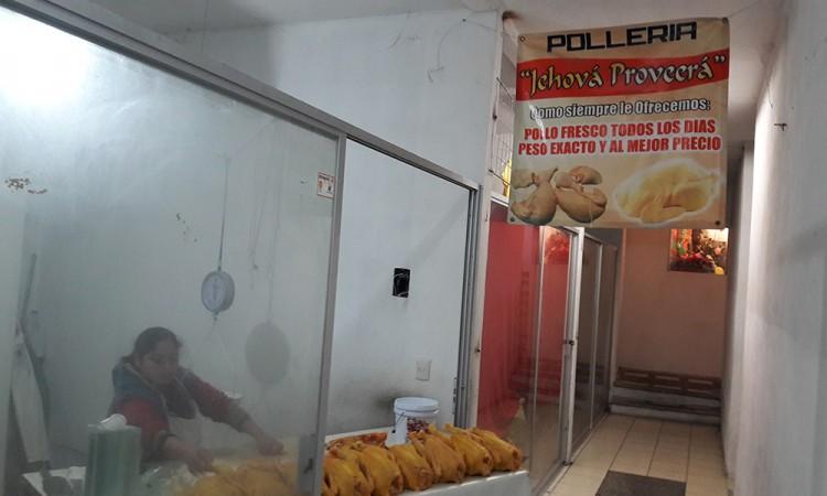 Caen ventas de pollo en Teziutlán