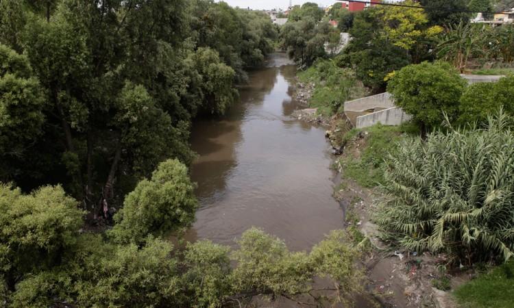 Realizan etapa de saneo al río Atoyac