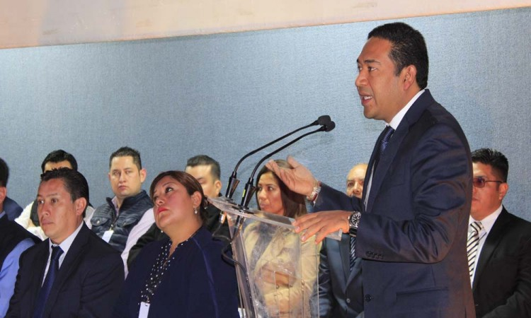 Toma protesta el presidente de Canaco Puebla
