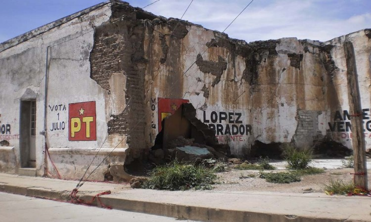 Detectan casas al borde del colapso