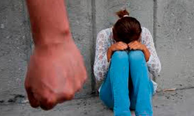 Violentan a más mujeres en Acatlán