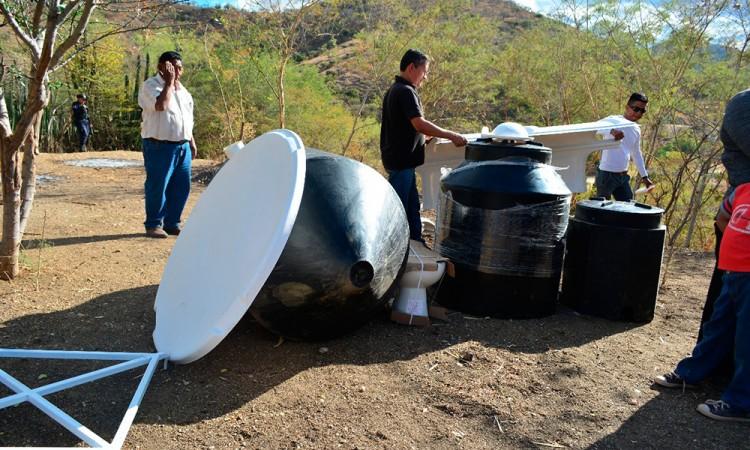 Dotarán a Izúcar de 100 baños biodigestores