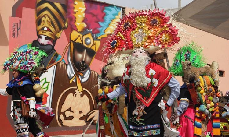 Gastan hasta 15 mil pesos danzantes de Huejotzingo