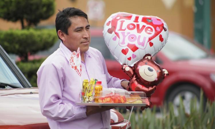 Alza en flores enmarca el Día del Amor y la Amistad