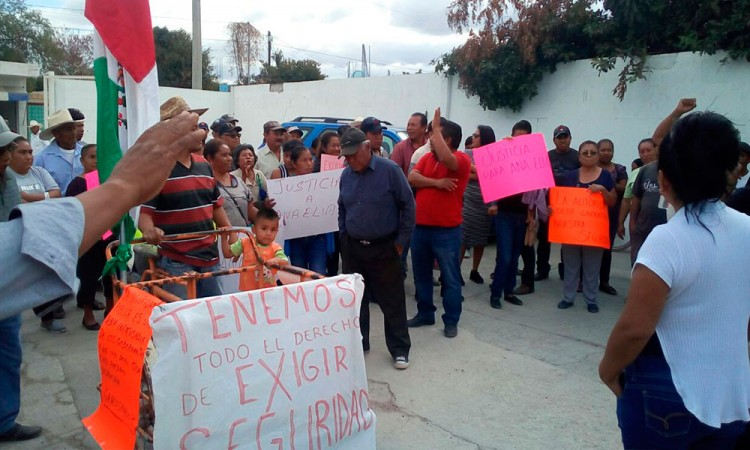 Pobladores exigen informe de labores a edil