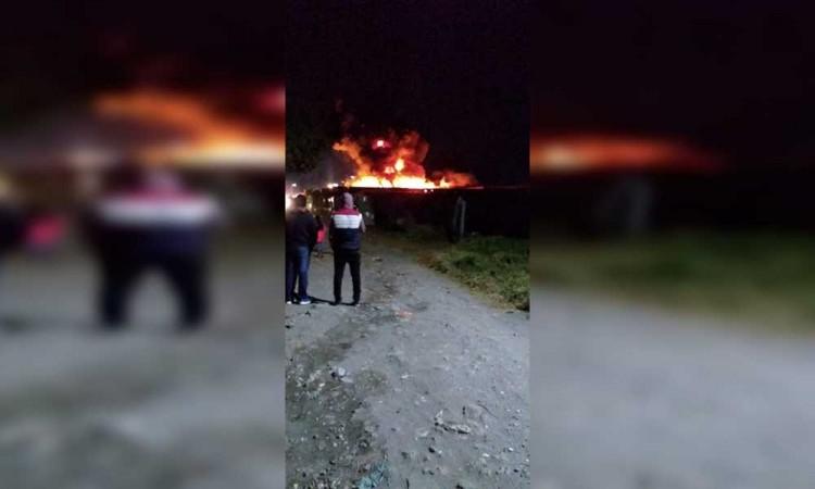 Aparatoso incendio en Texmelucan cierra 2018