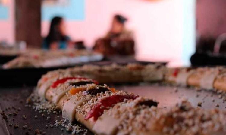 Preparan en Tochimilco Rosca de Reyes de 40 metros de largo