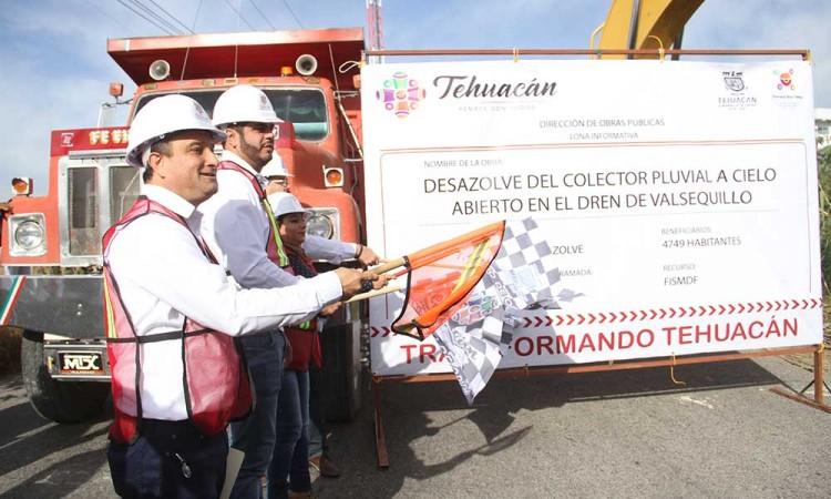 Inicia gobierno desazolve en dren de Tehuacán